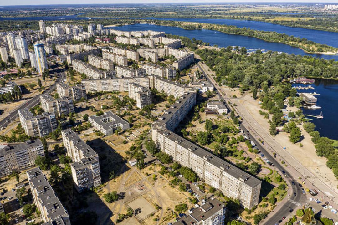 """В Україні знаходиться найдовший житловий будинок у світі (фото) - Інтернет-видання """"Час-Дій"""""""